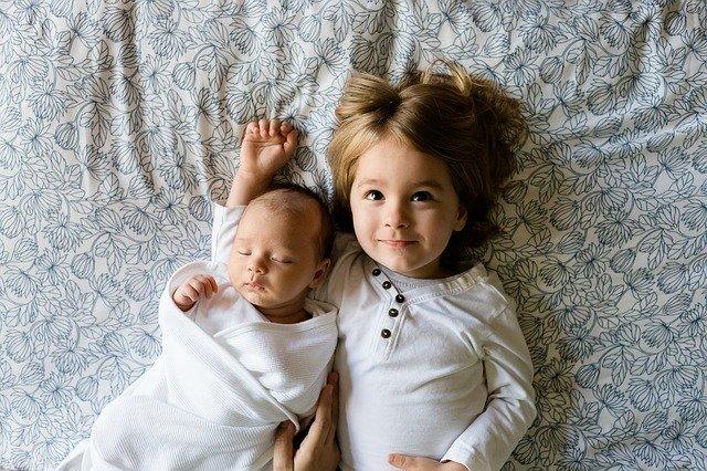Coba Yuk! Cara Melentikkan Bulu Mata dengan Bedak Bayi