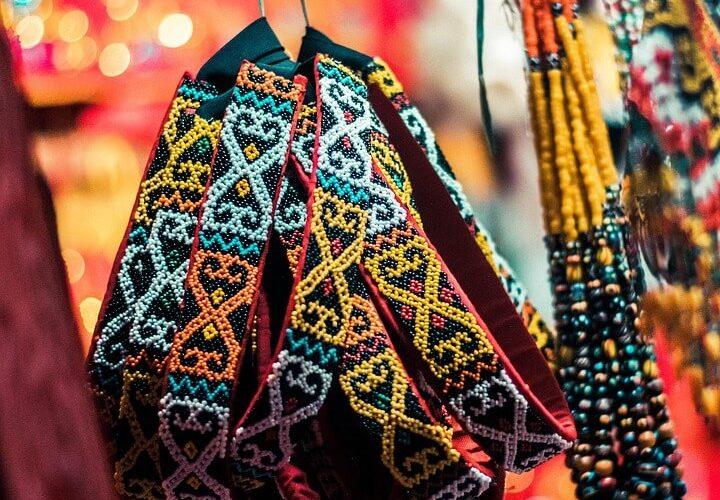Jenis Baju Adat Lampung Pria dan Wanita